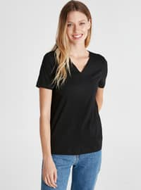 V neck Collar - Black - T-Shirt