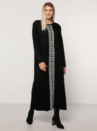 Siyah - Astarsız kumaş - Yuvarlak yakalı - Akrilik - File - Büyük beden elbise