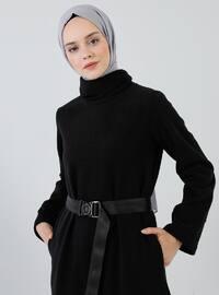 Siyah - Yüksek yakalı - Astarsız kumaş - - Elbise