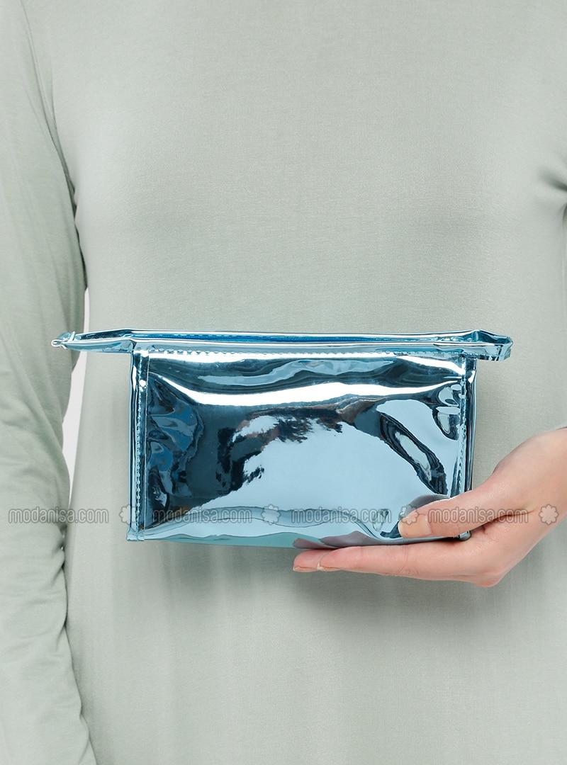 Turquoise - Clutch Bags / Handbags