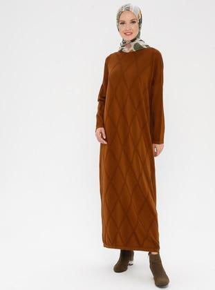 Cinnamon - Crew neck - Unlined - Acrylic -  - Dress