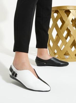 White - Black - Flat - Flat Shoes