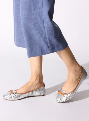 Silver tone - Tan - Flat - Flat Shoes