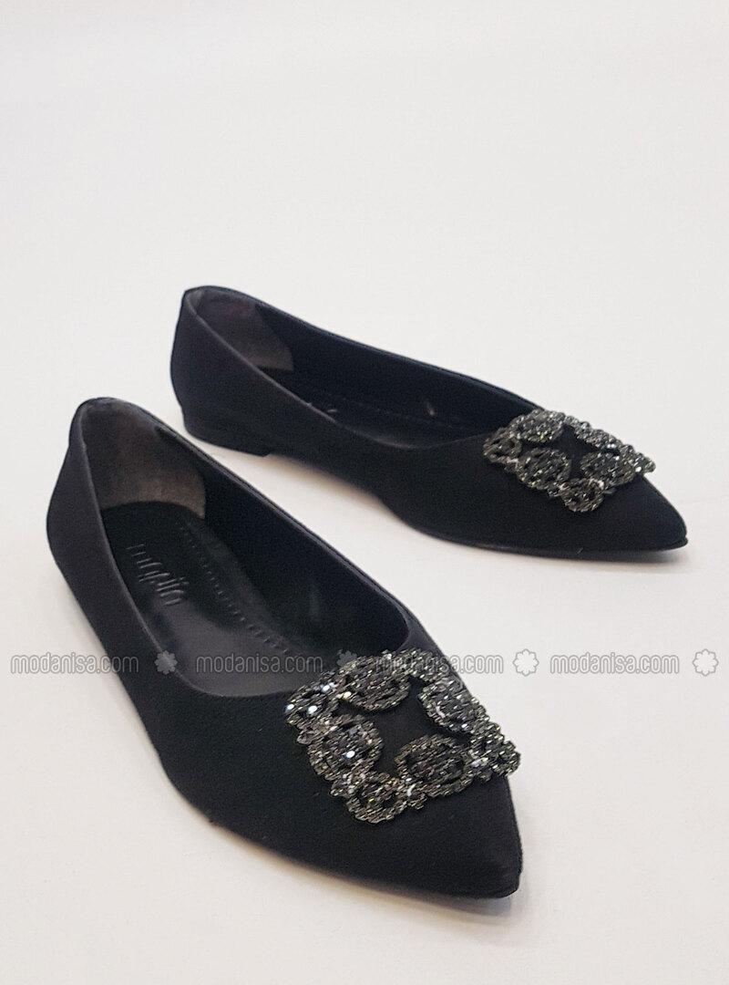 plain black flat shoes