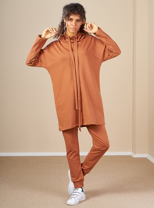 Cinnamon -  - Polo neck - Tracksuit Set