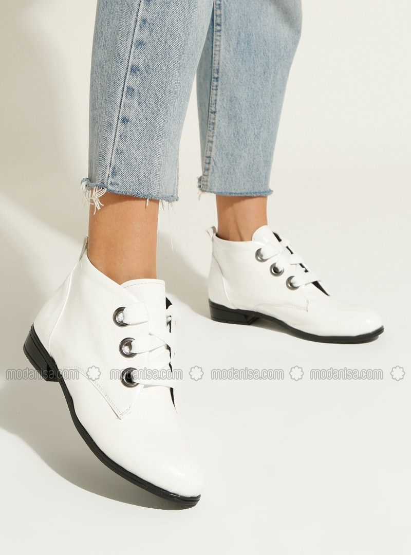 White - White - Boot - White - Boot - White - Boot - White - Boot - White - Boot - Boots