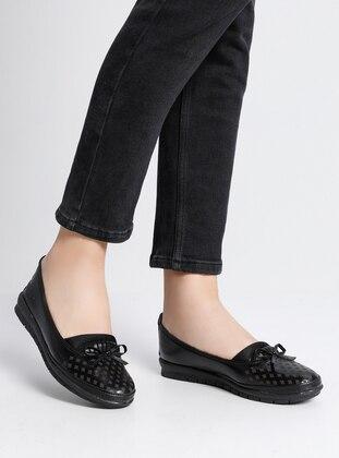 Black - Black - Flat - Black - Flat - Black - Flat - Black - Flat - Black - Flat - Flat Shoes