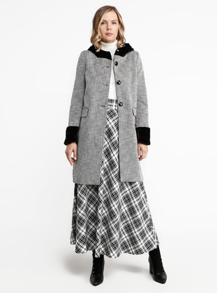 Silver tone - Fully Lined - Crew neck - Viscose - Coat