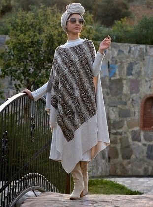Cream - Acrylic - Wool Blend - Poncho