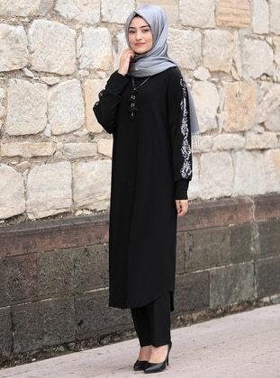 Black - Unlined - Boat neck - Abaya