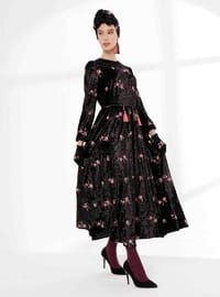 Siyah - Yuvarlak yakalı - Astarsız kumaş - Elbise