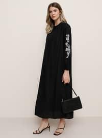 Siyah - Yuvarlak yakalı - Büyük beden elbise