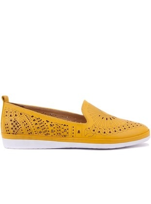 Mustard - Shoes
