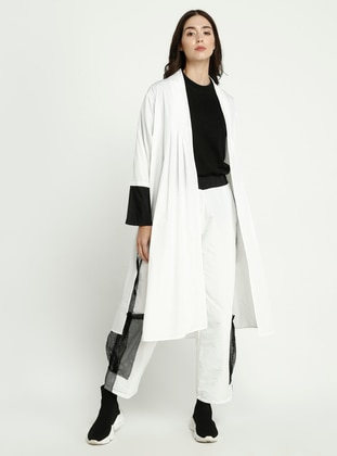 White - Black - Topcoat
