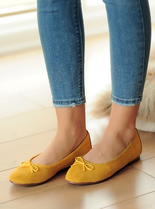 Mustard - Flat - Casual - Flat Shoes