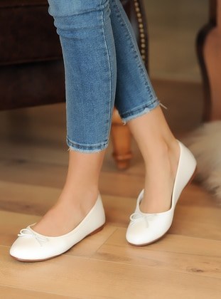 Flat - Casual - White - Casual Shoes