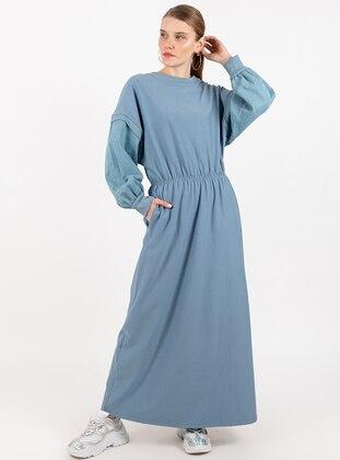 - Crew neck - Indigo - Dress