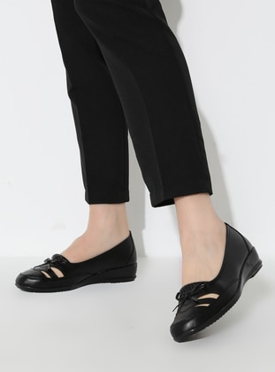 Casual - Black - Casual Shoes - The Frida Shoes