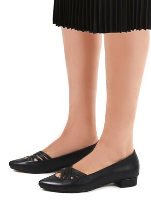 Black - High Heel - Flat Shoes