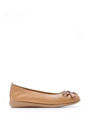Nude - Flat Shoes