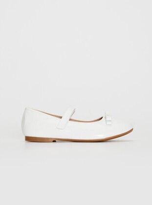 White - Girls` Flat Shoes - LC WAIKIKI