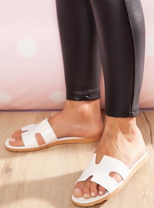 White - Sandal - Slippers - Ayakkabı Havuzu