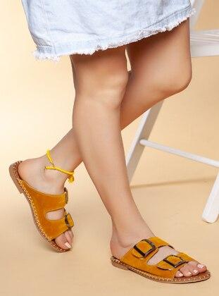 Mustard - Sandal