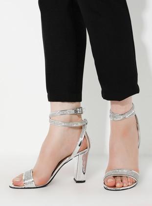 Silver tone - High Heel - Heels