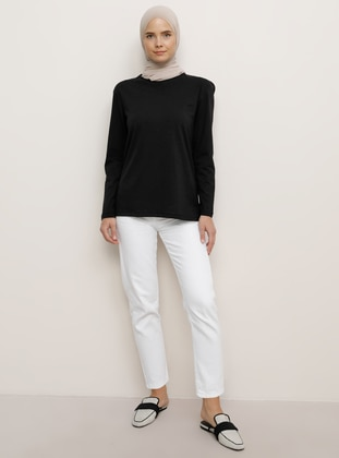 Black - T-Shirt - Everyday Basic
