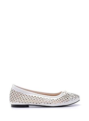 White - Flat Shoes