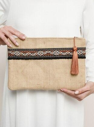 Camel - Straw - Clutch - Clutch Bags / Handbags