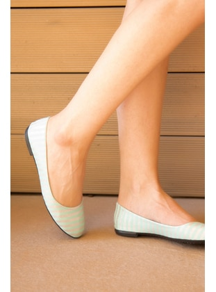 Mint - Casual Shoes