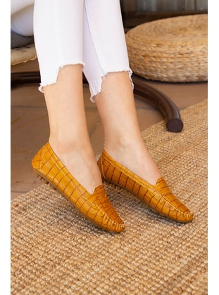 Mustard - Casual Shoes