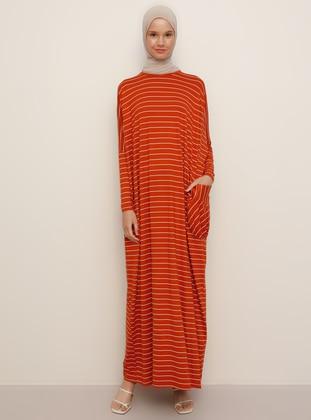 Cinnamon - Stripe - Crew neck - Unlined - Viscose - Dress