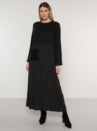 Black - Unlined - Crew neck - Plus Size Dress - Alia