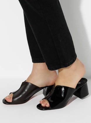 Brown - Black - Sandal - Slippers