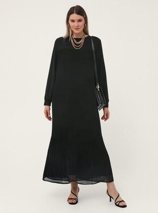 Oversize Pleat Detailed Dress - Black - Alia