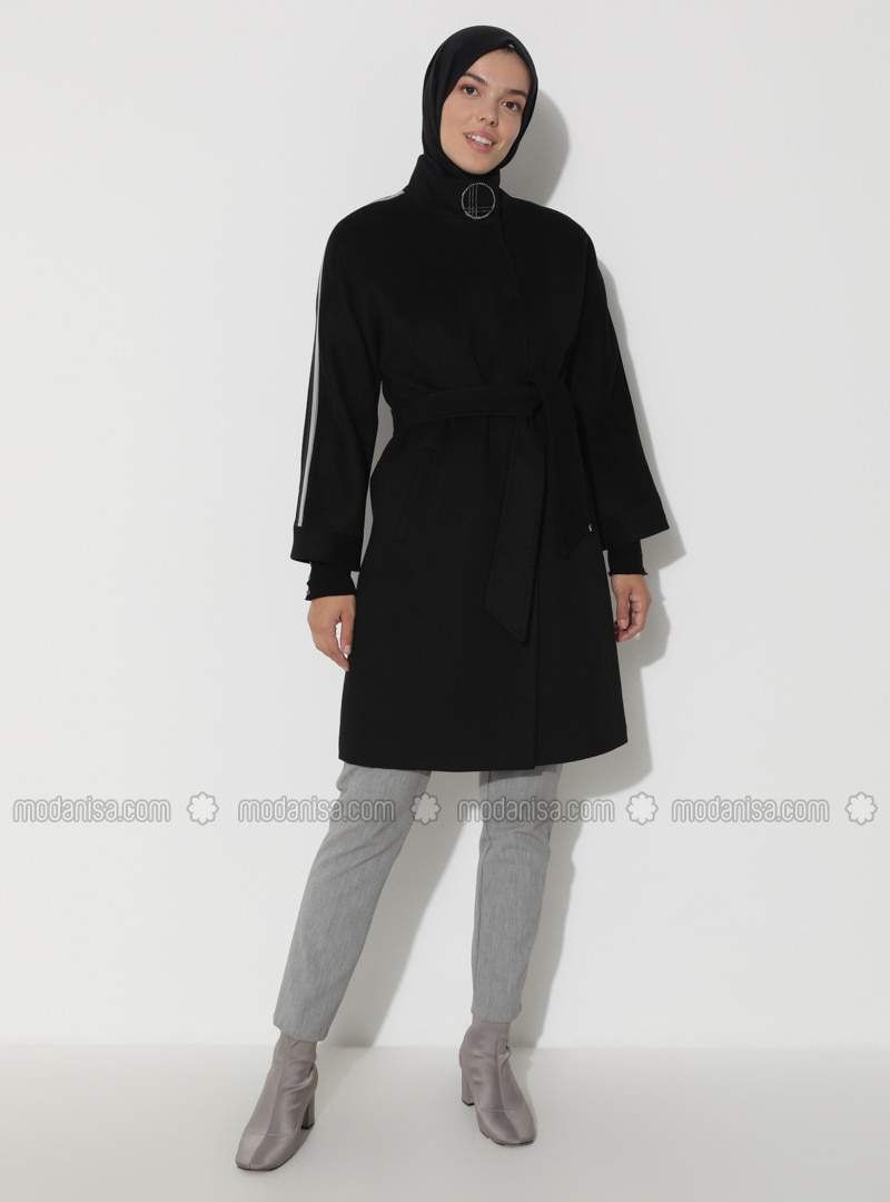 Limited Edition Wool and Cashmere Blend Snap Detailed Coat - Black