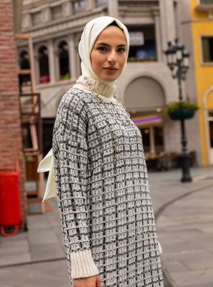 White - Polo neck - Unlined - Knit Tunics
