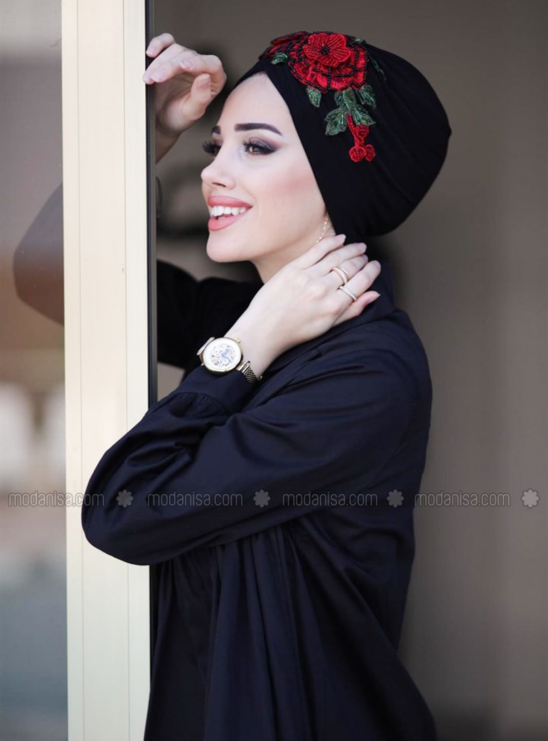 Red - Black - Plain - Simple - Bonnet