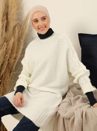 White - Crew neck - Unlined - Knit Tunics