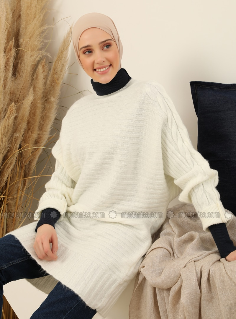 White - Crew neck - Unlined - Knit Tunics