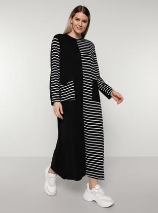 White - Black - Stripe - Unlined - Crew neck - Plus Size Dress