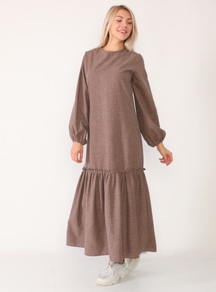 Brown - Brown - Checkered - Crew neck - Unlined - Viscose - Dress