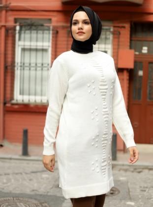White - Ecru - Bone - Crew neck - Unlined - Knit Tunics