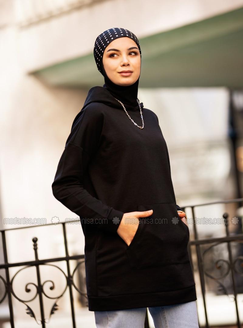 Kangaroo Pocket Hooded Sweatshirt- Black