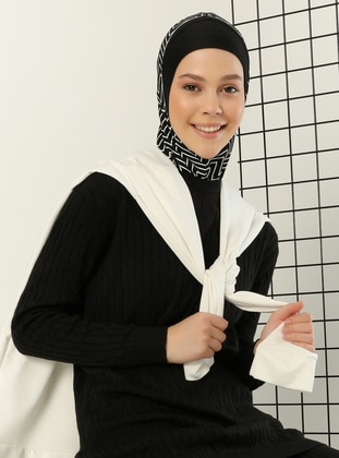 Black - Simple - Bonnet