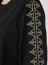 Natural Fabric Sleeves Embroidery Detailed Cape - Black