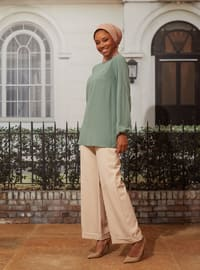 Green Almond - Crew neck - Blouses - Casual