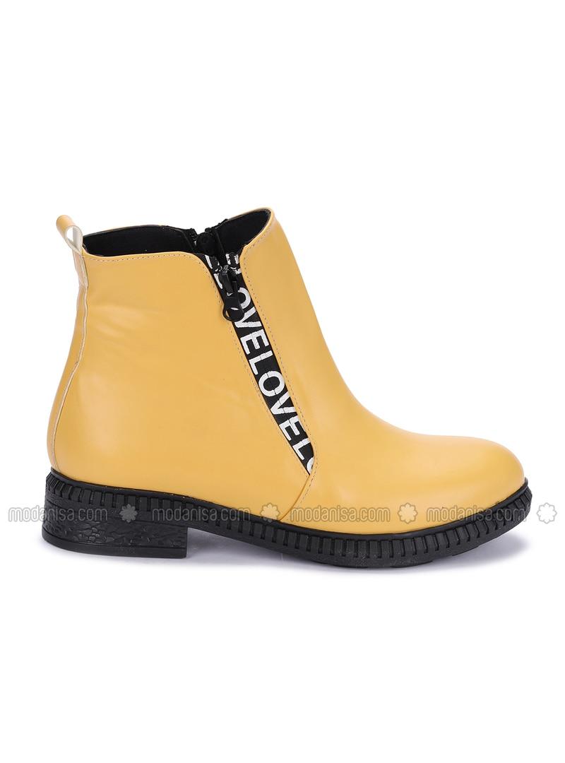 Mustard - Boots